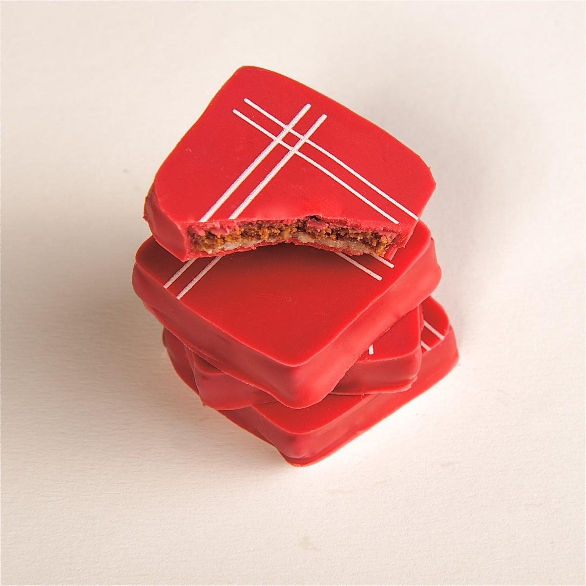 Cholet tourisme chocolat mouchoir rouge tradition pâte d'amande aromatisée à l'orange artisan passionné