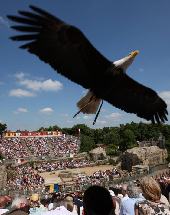 cholet tourisme puy du fou meilleur parc du monde les épesses grand parc cinéscénie spectacles