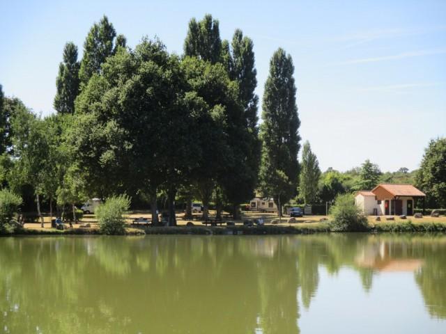 aire-naturelle-fontaine-de-boisdon-saintpauldubois-49