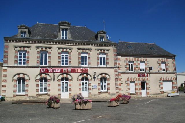 hotel-restaurant-l-entracte-saintpauldubois-49