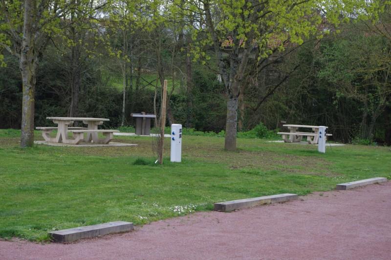 aire-de-camping-car-park-la-séguinière4