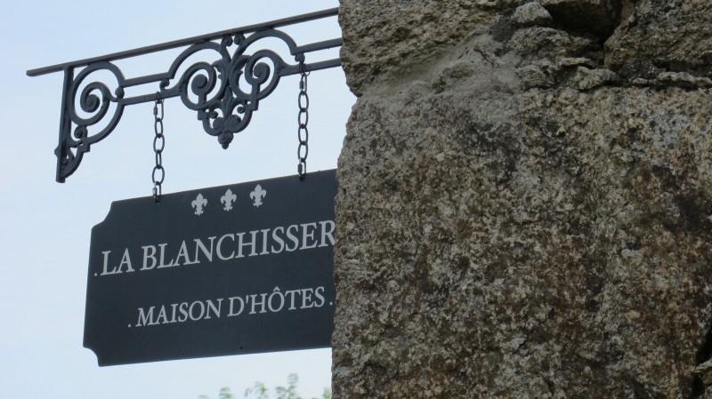 chambre-d-hôtes-domaine-de-la-blanchisserie-puy-saint-bonnet-49
