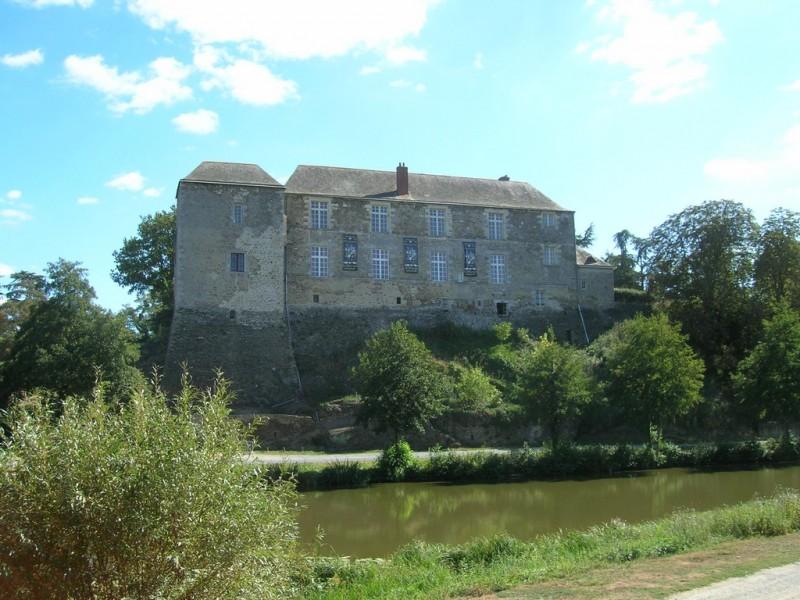 Cholet Tourisme Randonnée Pédestre Vihiers Château de Maupassant Patrimoine