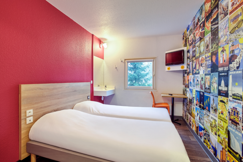 hotel-f1-cholet-2020-49-c-abaca-press-jacques-yves-gucia-dc2048-4558-53-2183175