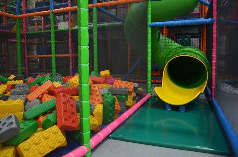 Parc kidi mundi jeux enfants structures gonflables for Parc de jeux yvelines