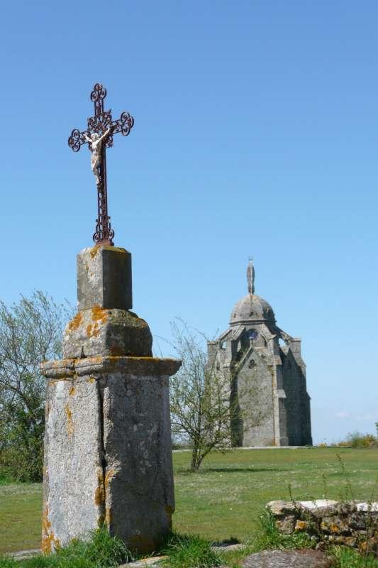le-chene-rond-chapelle-le-puy-saint-bonnet-49