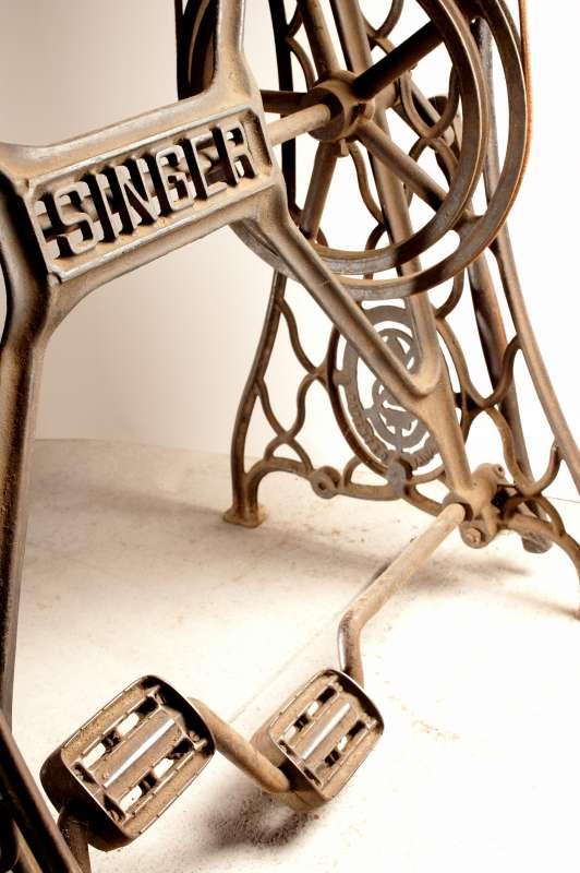 musee-metiers-chaussure-st-andre-de-la-marche-49