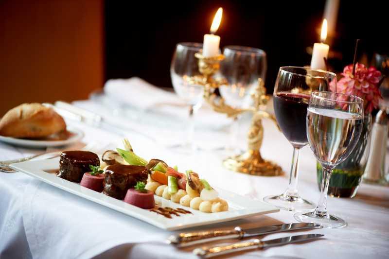Cholet tourisme restaurant gastronomique château tremblaye piscine terrasse