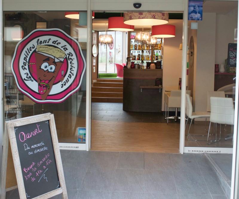 Cholet tourisme restaurant les papilles font de la resistance centre ville crepes galettes bar à jus brunch