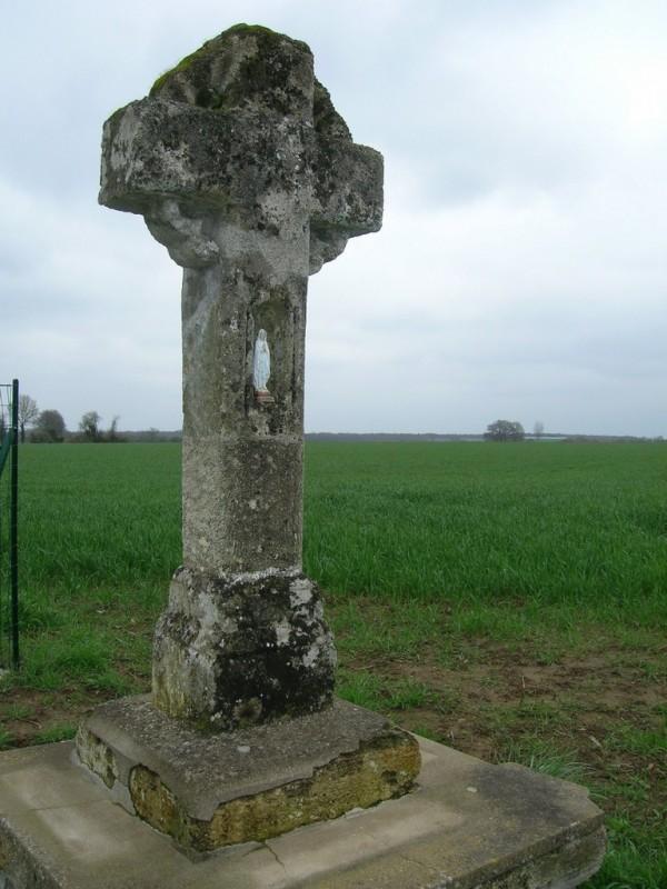 Cholet Tourisme Randonnée Pédestre Tancoigné Croix aux Grenouilles Petit Patrimoine