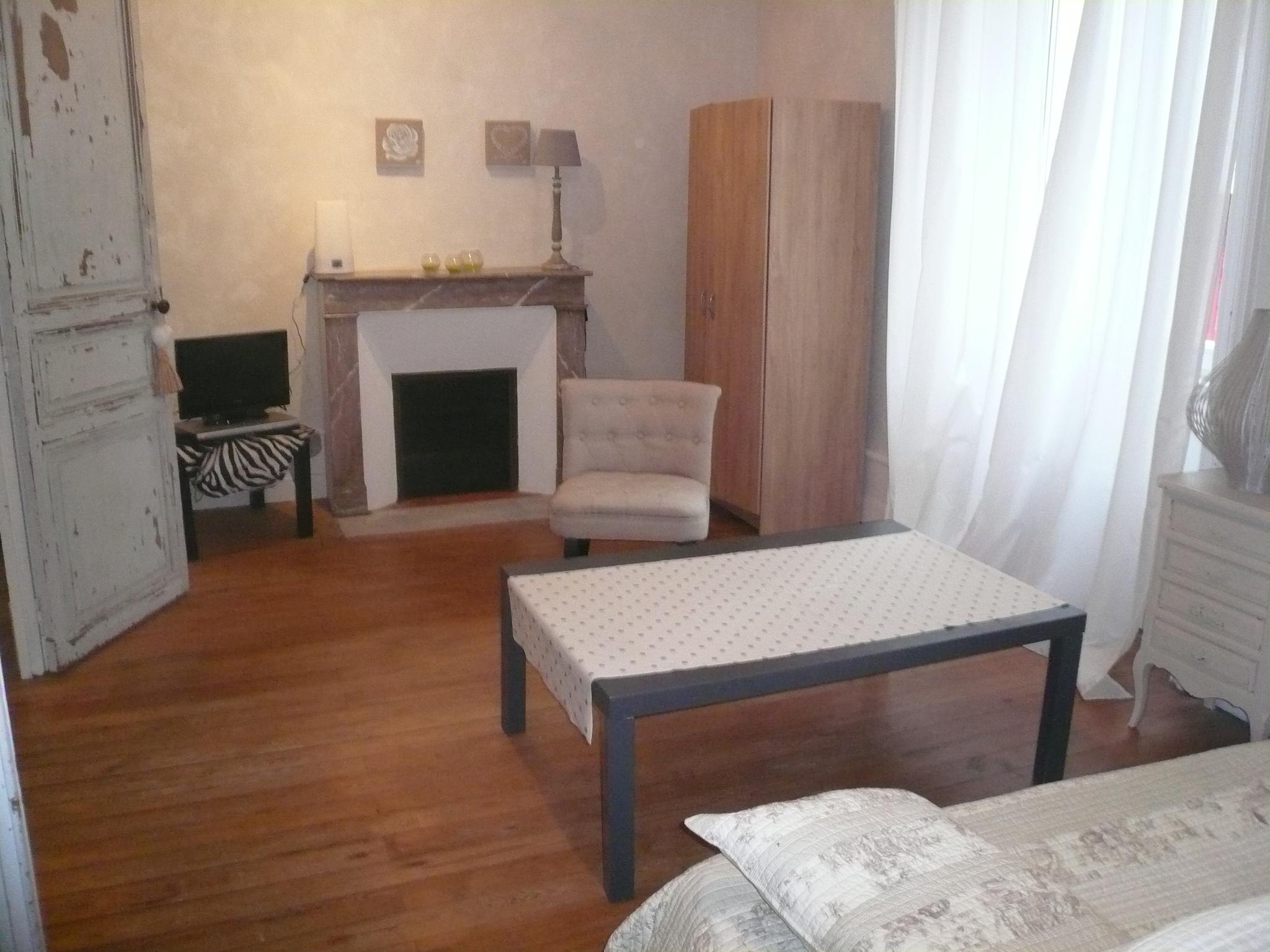 la maison de valerie meuble awesome meuble etagere de rangement la maison de valerie bois with. Black Bedroom Furniture Sets. Home Design Ideas