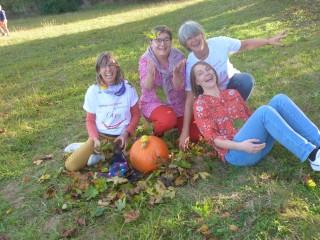 Rire en famille un matin d'automne pour réveiller vos 5 sens.