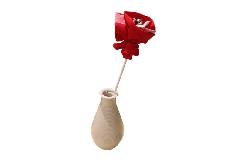 Fleur Mouchoir et son soliflore - vase bouteille carré 16 cm