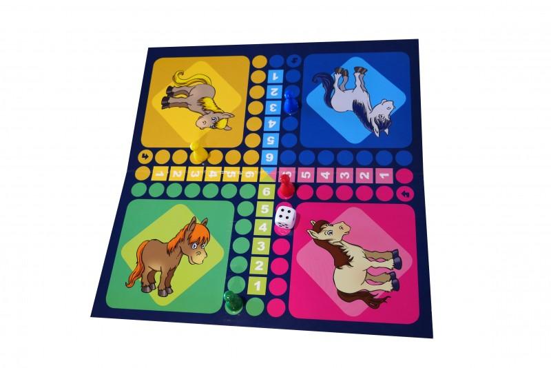 plateau-petits-chevaux-450800