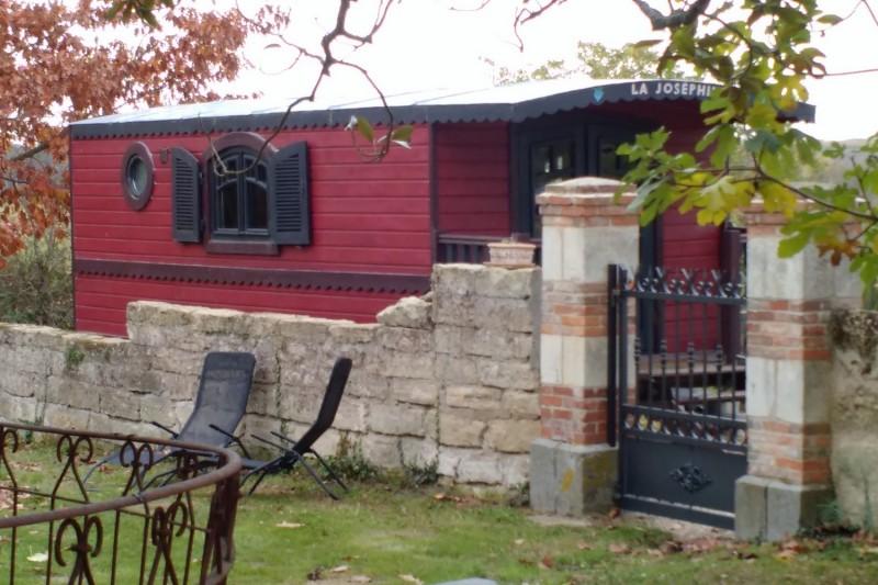 roulotte-josephine-chateau-de-montgueret-nueilsurlayon-49-4
